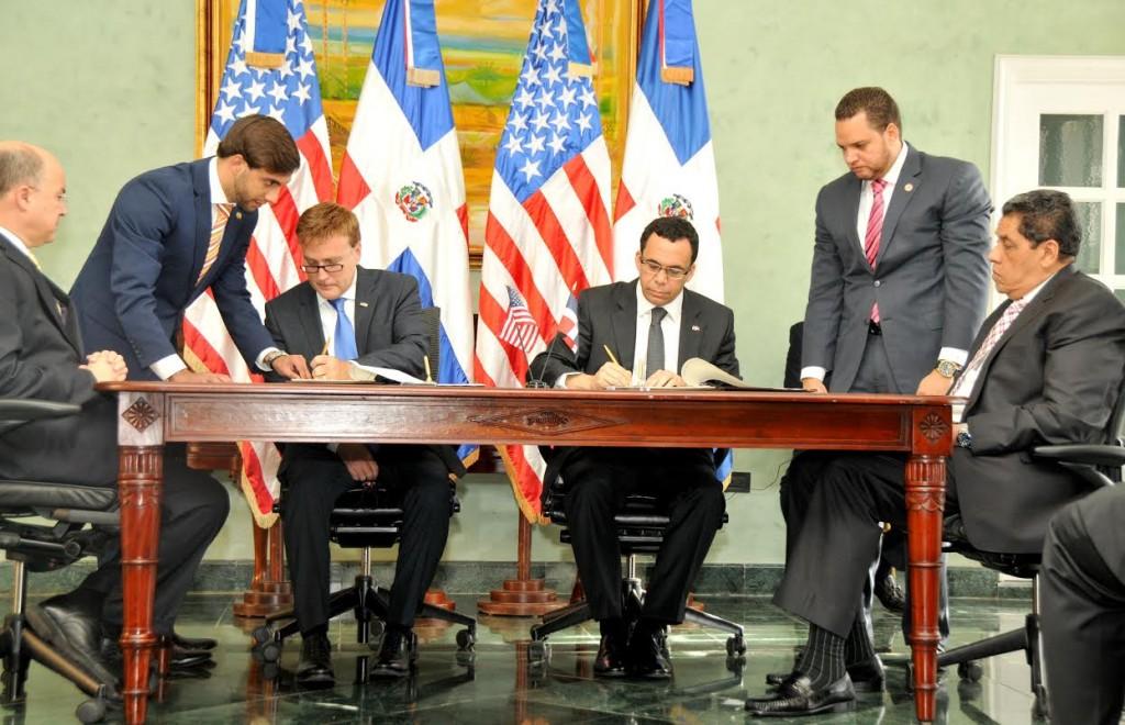 Firma del tratado