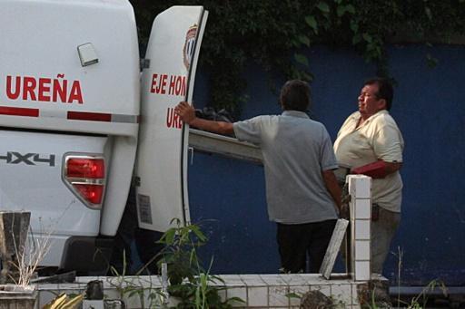 Una ambulancia en una morgue en San Cristóbal, Venezuela el 6 de mayo de 2015 (AFP/Archivos   George Castellano)