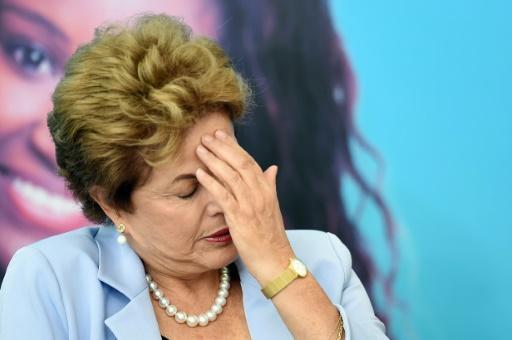 La presidenta brasileña, Dilma Rousseff, durante una ceremonia en el Palacio del Planalto, sede de gobierno, en Brasilia, el 11 de agosto de 2015 (AFP/Archivos | Evaristo Sa)