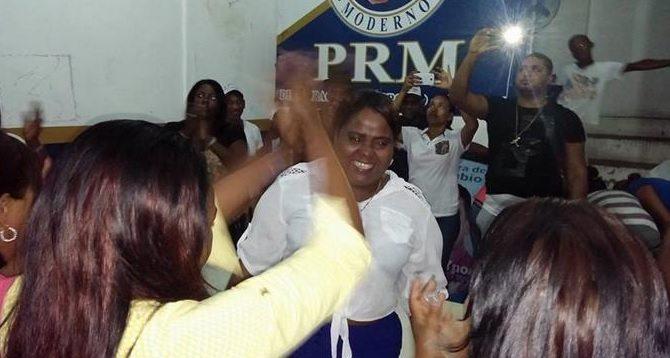 """Diputada. Jackeline Montero, presidenta del Movimiento de Mujeres Unidas (Modemu), dice que """"Cuando Dios manda, hasta el diablo obedece."""" Fue postulada por el Partido Revolucionario Moderno."""