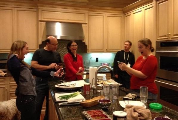 Randi Zuckerberg  y su familia