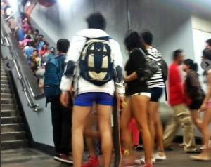 metro sin pantalones