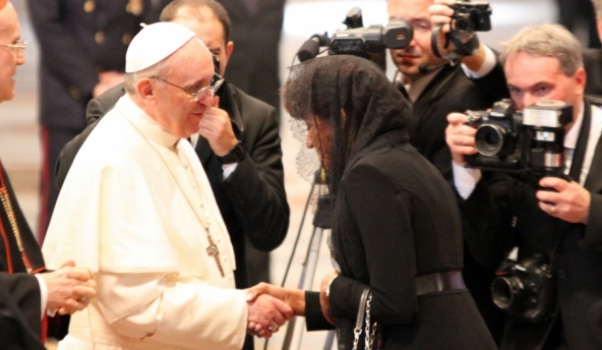 Papa Francisco con Candida Montilla
