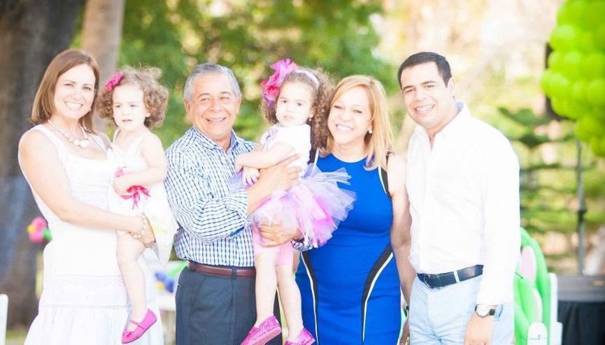 Roberto Angel Salcedo celebrando