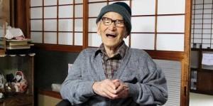anciano feliz