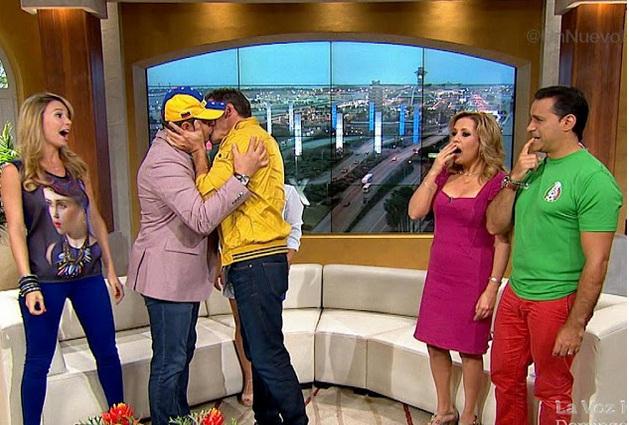 Beso de Daniel Sarcos