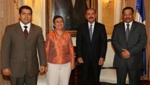 Danilo Medina con Tibisay Lucena