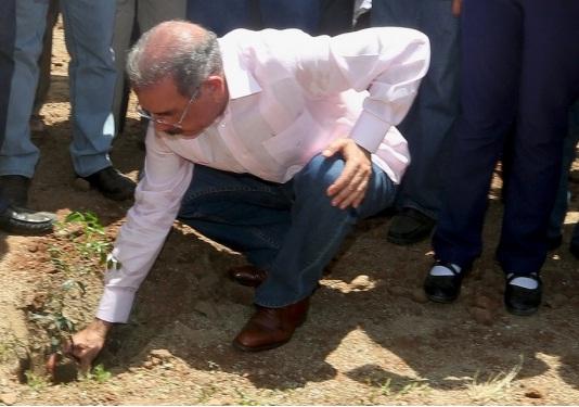 Danilo Medina en Haiti