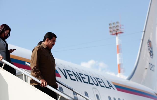 nicolas-maduro_avion