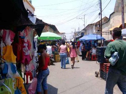 comerciantes dominicanos en San Juan