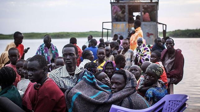Al-menos-200-personas-se-ahogan-al-huir-en-barco-de-combates-en-Sudan-del-Sur
